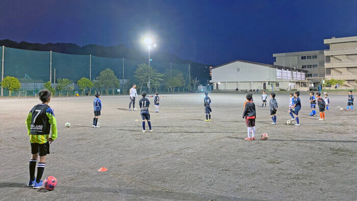 football-clinic-one-vs-one-210425